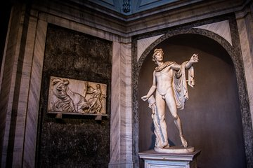 Friday-Night-Skip-the-Line-Ticket: The Vatican Museum & the Sistine Chapel