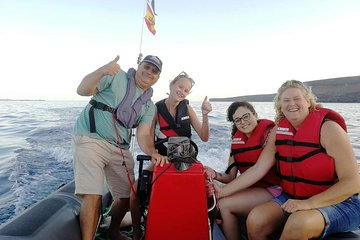 Rent our powerboat (Zodiac) with 75 HP motor!