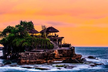 Bali Temple and Traditional Fruit Market Tour