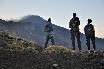 Explorer le volcan Etna de la Sicile