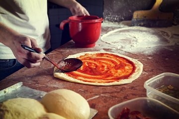 Rome: Pizza Making cooking class with a local