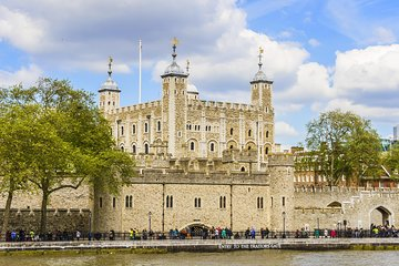 Tower of London Ticket with Crown Jewels Exhibition Skip the line Tickets