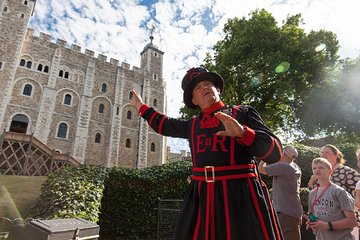 Private Tower of London Opening Ceremony with Changing of The Guard and Cruise