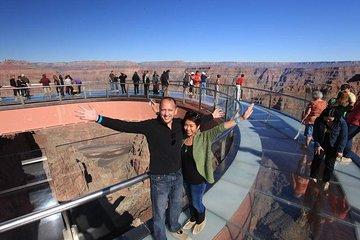 Dagtrip met kleine groep naar de Grand Canyon West Rim vanuit Las Vegas met optionele Skywalk