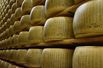 Taste of Emilia-Romagna: Parmigiano, Lambrusco and Balsamic Vinegar of Modena