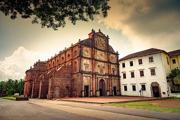 Full-Day Goa Churches Spice Plantation and Old Bazaars Tour 2019