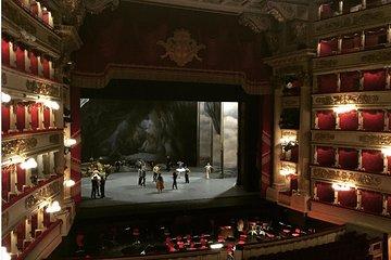 Skip the Line: Musical Tour: La Scala Opera House & Giuseppe Verdi Ticket
