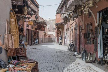 Guided tour Medina of Marrakech with private transport