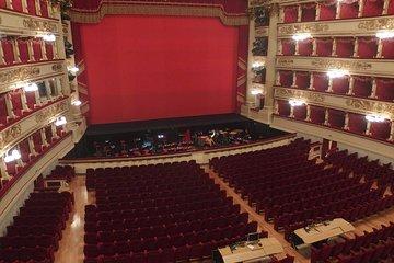 Milan: La Scala Theatre, Museum & Duomo Guided Tour