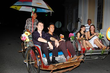 Private George Town by Night with Food Tasting and Trishaw Ride from Penang