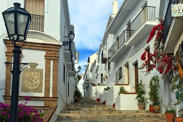 Semi-private Tour to Frigiliana and The Lost Village with lunch included