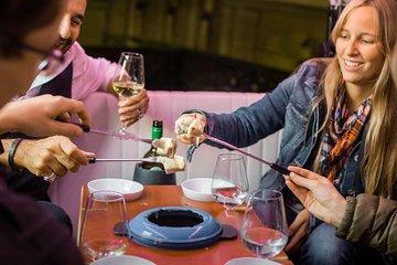 Fondue and Wine Tuk Tuk Tour in Zurich