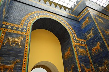 Berlin Skip-the-Line Pergamon and New Museum Guided Tour Plus Museum Island Pass