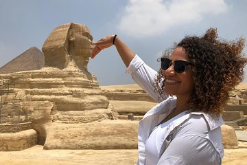 Save 10.00%! 6-Hour Private Layover Tour to the Pyramids and the Sphinx