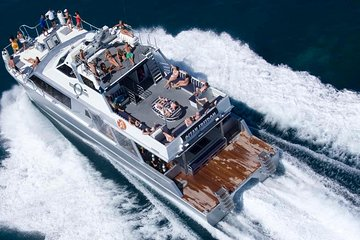Great Barrier Reef Personal Luxury Snorkel and Dive Cruise from Cairns
