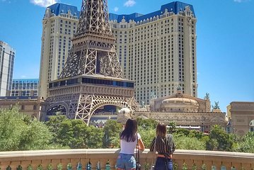Explore the Best Must See Spots: Las Vegas Strip Walking Tour!