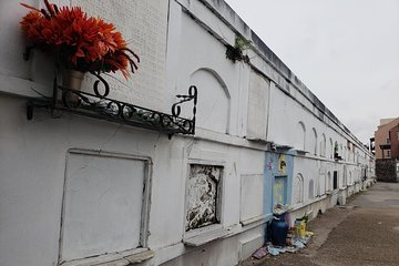 St  Louis Cemetery No  1 Guided Tour