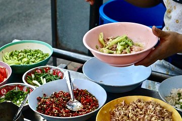 Secret Food Tour with the Locals in Bangkok w/ Private Tour Option