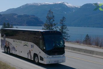 Vancouver City Centre to Whistler or Squamish by Bus (Round trip)