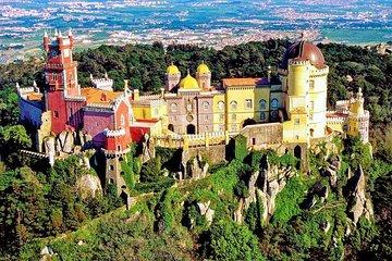 Private Tour 1 to 8 people: Pena National Palace- Sintra-Cabo da Roca-Cascais