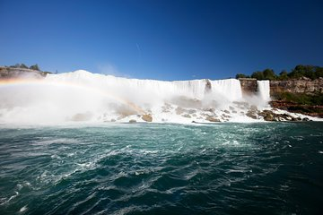 3-Day Tour: Finger Lakes, Niagara Falls, Toronto and 1000 Islands from NYC