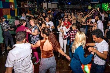 Barcelona Salsa Lovers dancing experience