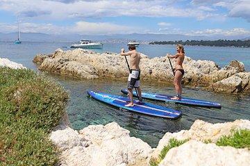 26ac661a4 Passeio de barco ao meio dia com atividades Stand Up Paddle a bordo
