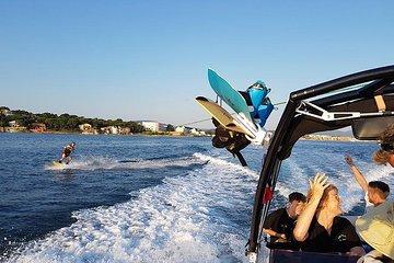 82f290ee3 Sessão de wakeboard ou esqui aquático na baía de St Tropez