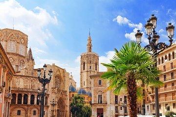 Excursión de un día desde Calpe a Valencia. Centro histórico y Ciudad de las Artes y las Ciencias.