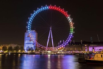 Panoramic London by night Tour in a Executive Vehicle for up to 3 person. 3 Hour