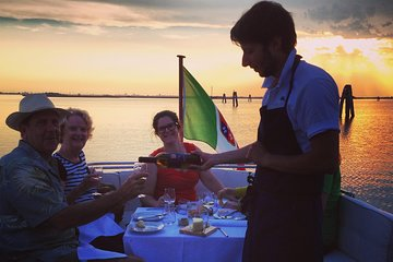 Private dinner on board an exclusive classic boat
