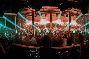Club Night Out By The Sea At Athens Riviera