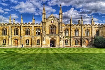 Interactive Walking Tour of Cambridge University Tickets