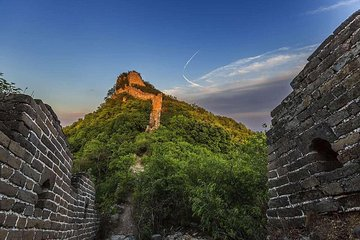 Save 20.01%! Private trip to Great Wall Hiking from Jiankou to Mutianyu By English Driver