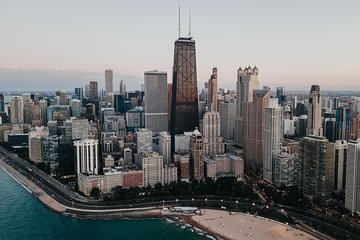 Chicago Private Tour for Two: Lunch, Dessert, Drink Included