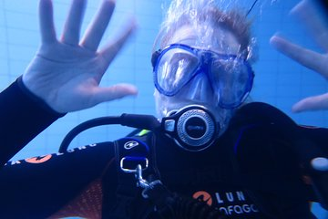 Discover Scuba Diving - try diving now.