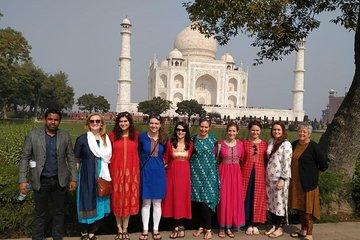 Taj Mahal & Agra Fort Group Tour From Delhi