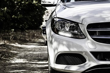 Private Premium Car Transfer from Prague to Berlin with 2h of Sightseeing