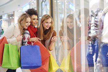 Private Full Day Delhi Shopping Tour With Female Tour Guide