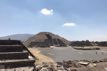 Acolman-Teotihuacán-Plaza of the Three Cultures- Craft Workshop