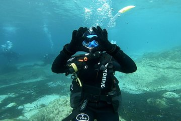 First scuba diving experience with instructor in Malta