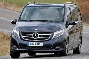 Private transfer from Vienna to Budapest