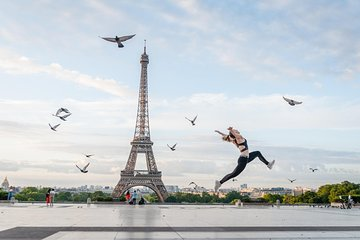 Photo shoot in the Eiffel Tower area