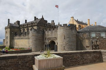 Loch Lomond, Dumbarton and Stirling Castle, Small Group Day Tour from Edinburgh