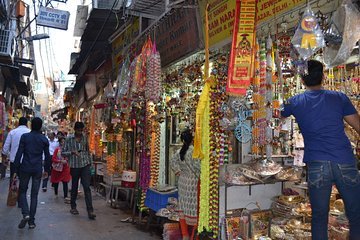 Old Delhi Markets and Temples Tour