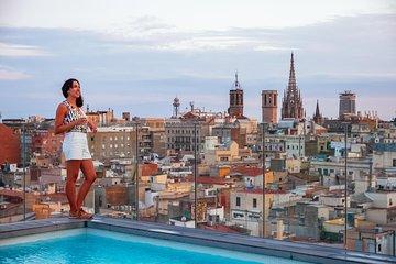 Barcelona Hidden Gems: Secret Passages & Rooftop Bar Private Tour
