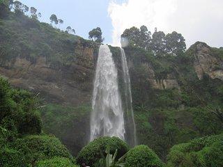 4 days Sipi falls and Pian-upe wildlife safari