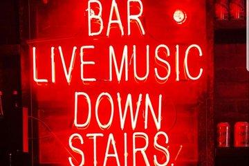 Underground atmosphere bar tour