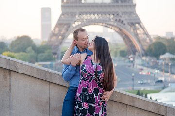 Eiffel Tower & Parisian Life Style Photo Shoot with a Local Photographer