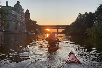 Guided Sunset Kayaking in Stockholm (City-Tour)